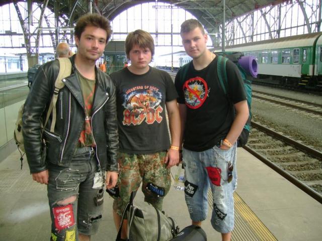 Naše banda gejů jede dom:-)